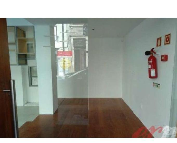 Loja c 169,30m2 para arrendamento à casa da música ref