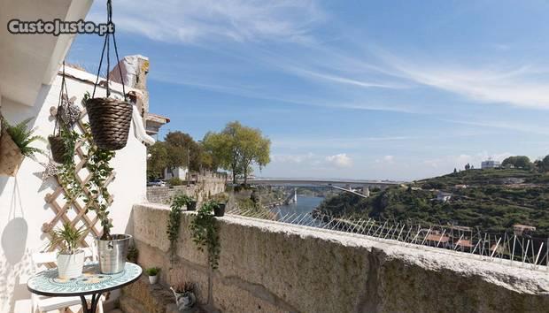 T3 triplex c/ vista para o rio douro