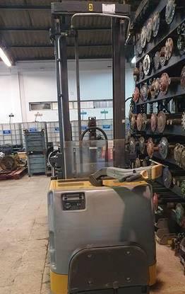 Porta paletes electrico 3,6 mts / 1600 kg