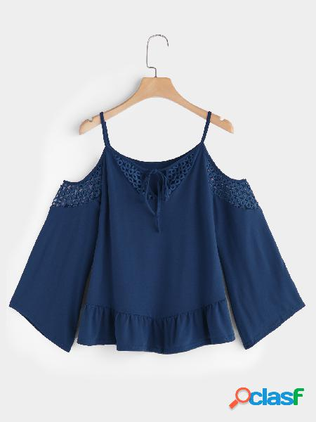 Blue hollow detials cold shoulder lace up detalhes long flared sleeves blusa