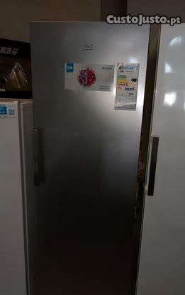 Arca frigorífico vertical beko no frost