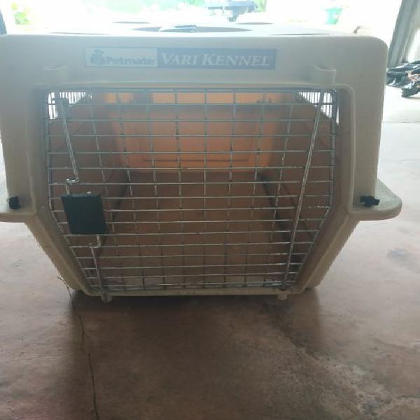 Caixa transportadora para cão de porte médio