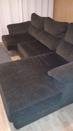 Sofá com chaise longe