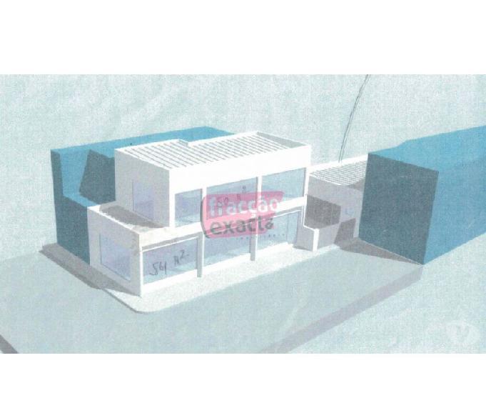 Edifício de comércio e serviços em inicio de construção