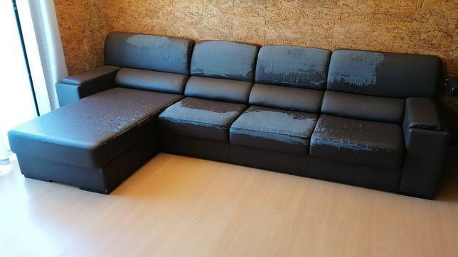 Sofá de três lugares + chaise longue