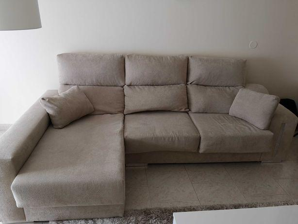 Sofá chaise longue creme