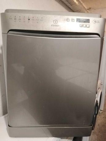 Maquina de lavar loiça inox indesit