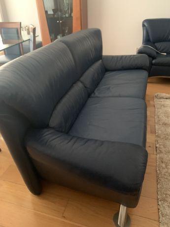 Vende-se sofa em pele em muito bom estado