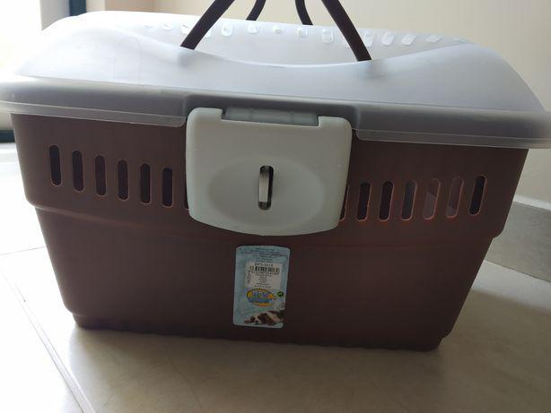Caixa transportadora de animais