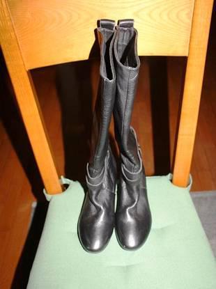 Botas pretas em pele da fornarina tamanho 36