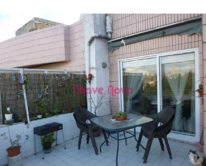 T3 duplex remodelado com 2 suites, box, terraço e box com