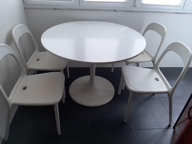 Mesa redonda ikea + 4 cadeiras