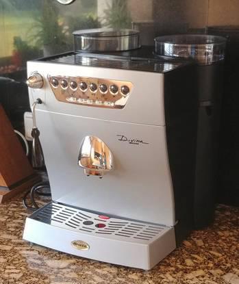 Máquina café expresso com moinho ariete nova
