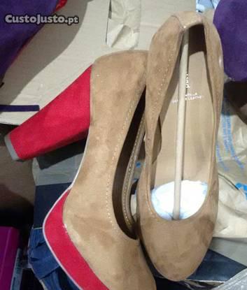 Sapatos camurça - novos