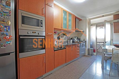 Apartamento t2 em águas santas com 3 frentes