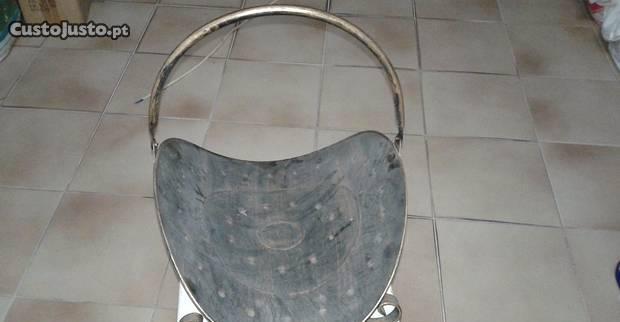 Cesto metalico para lenha