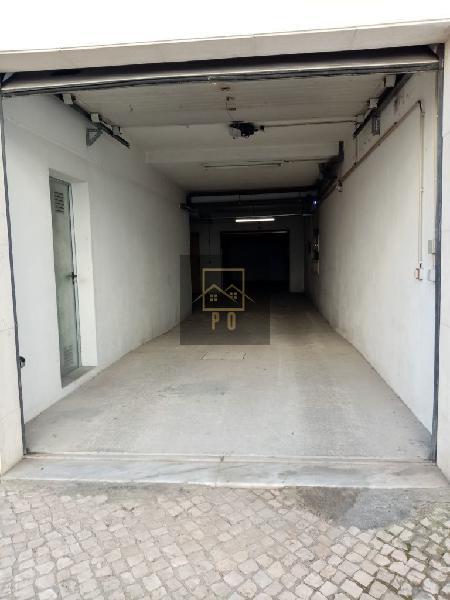 Garagem,quinta do anjo(possibilidade de arrendar com opção