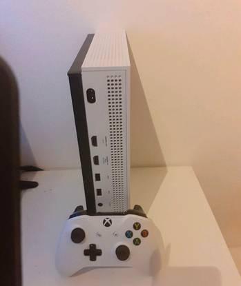 Xbox one s 1tb mais 17 jogos