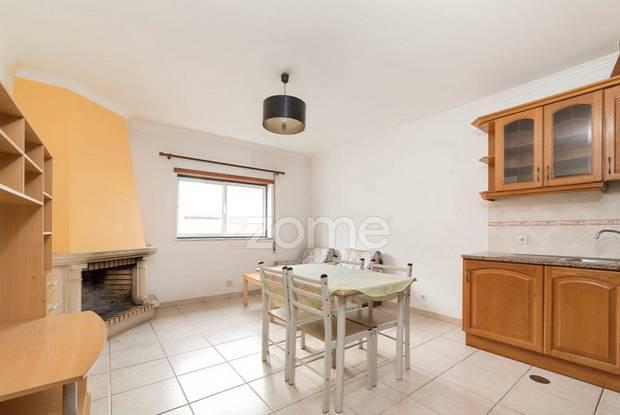 Apartamento t2 | garagem| elevador|aquecimento...