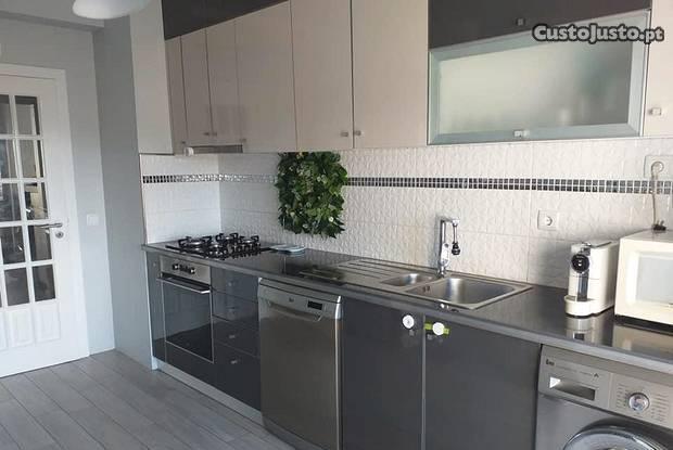 Apartamento t2 moderno, alto do forno,último andar