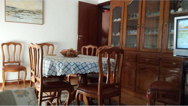 Móvel de sala de jantar em carvalho maciço, mesa e 8