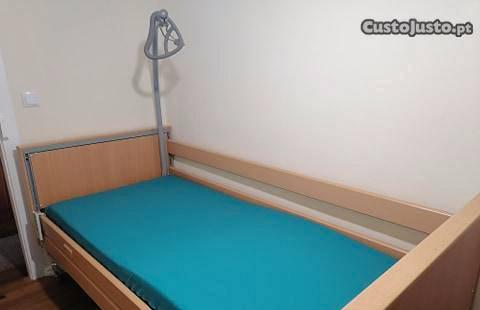 Cama articulada elétrica com colchão anti-escaras