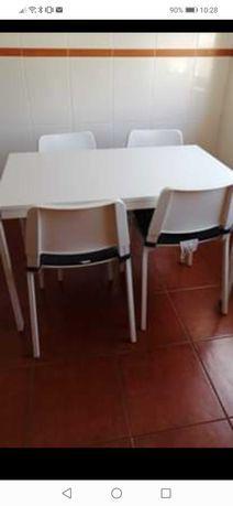 Mesa cozinha e 4 cadeiras ikea