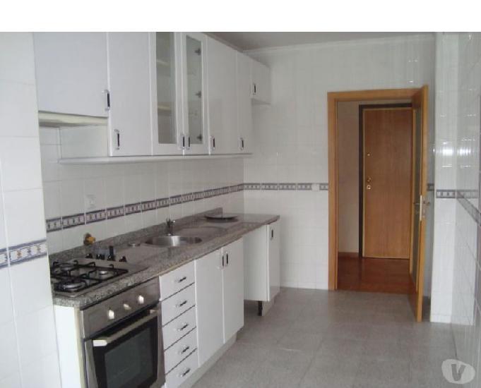 Valongo-apartamento t2 nos lagueirões - valongo (200053)