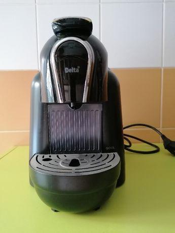 Máquina café delta + suporte cápsulas
