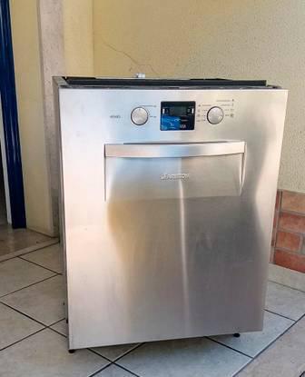 Máquina lavar loiça inox ariston