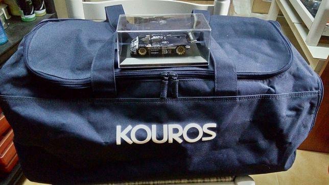 Conjunto kouros: saco desporto/viagem + miniatura sauber c9
