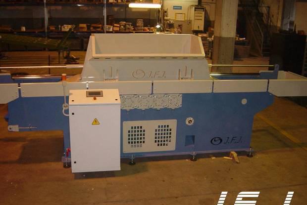 Máquinas para produção de aparas de madeira
