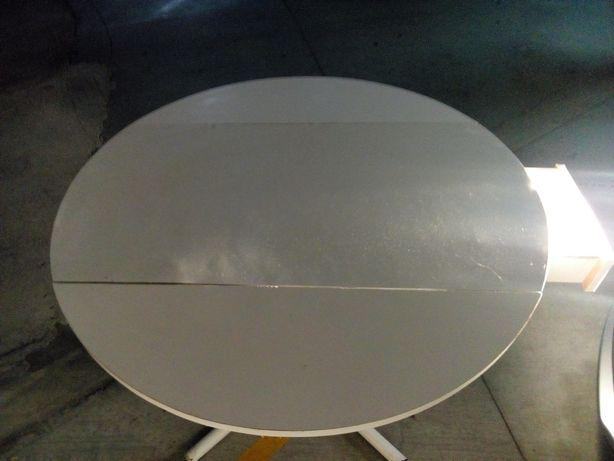 Mesa de cozinha redonda branca