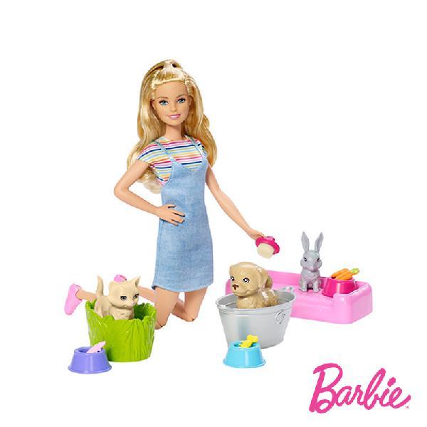 Barbie e animaizinhos hora do banho
