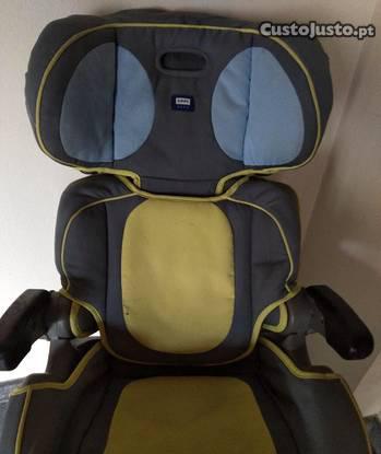 Cadeira auto usada.