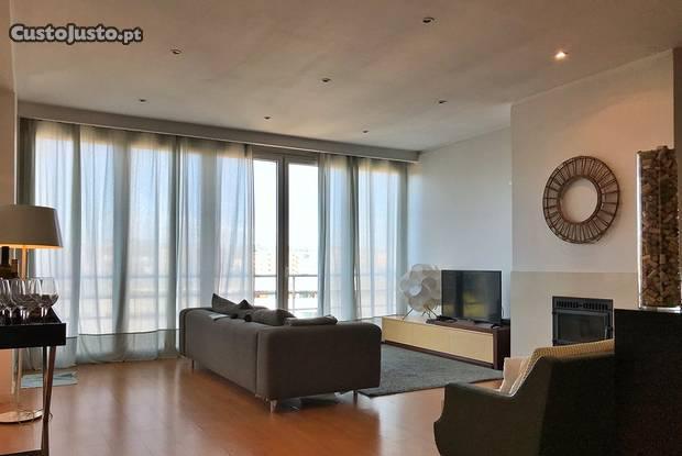 Apartamento - 210 m² - t3