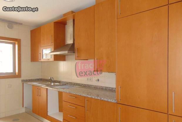 Apartamento t2 centro são joão madeira varanda