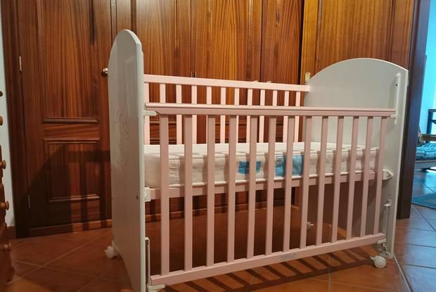 Cama/berço bébé com colchão