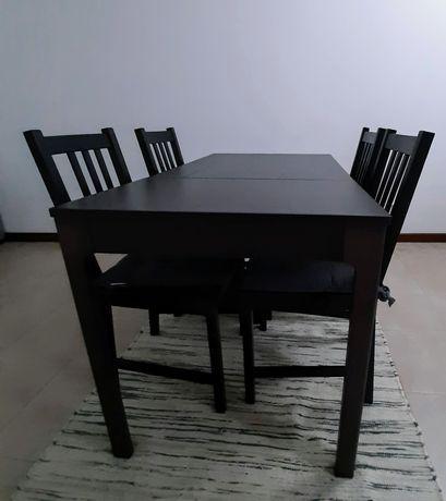 Mesa + 4 cadeiras ikea