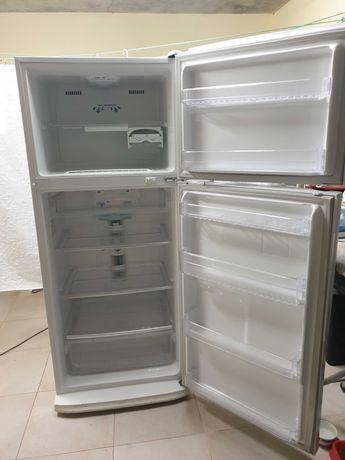 Frigorífico samsung com congelador 413 l
