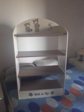 Prateleira + casa bonecas criança