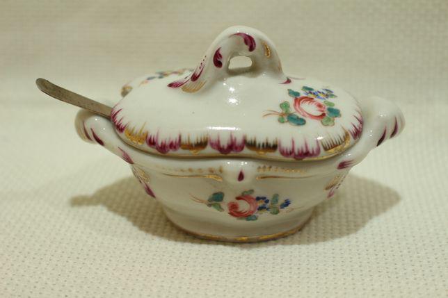 Saleiro porcelana francesa sèvres (1753 a 1824) com colher