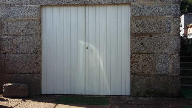 Portao de garagem galvanizado com chapa lacada como novo