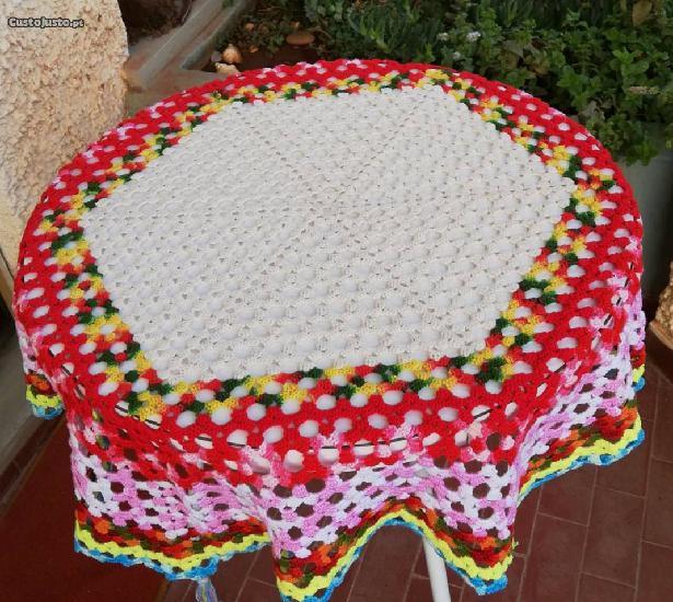 1 toalha e 1 napron de crochet artesanal