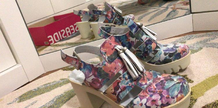 Sandálias seaside salto alto, tamanho 39 - novas