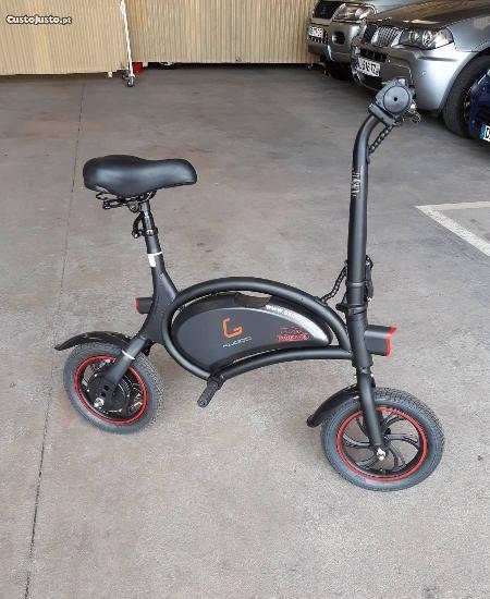 Scooter eléctrica (nova)