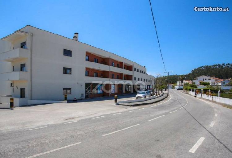 Apartamento t2|garagem|centro