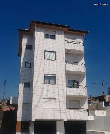 Apartamento t3 c/grande terraço - vilar do paraíso