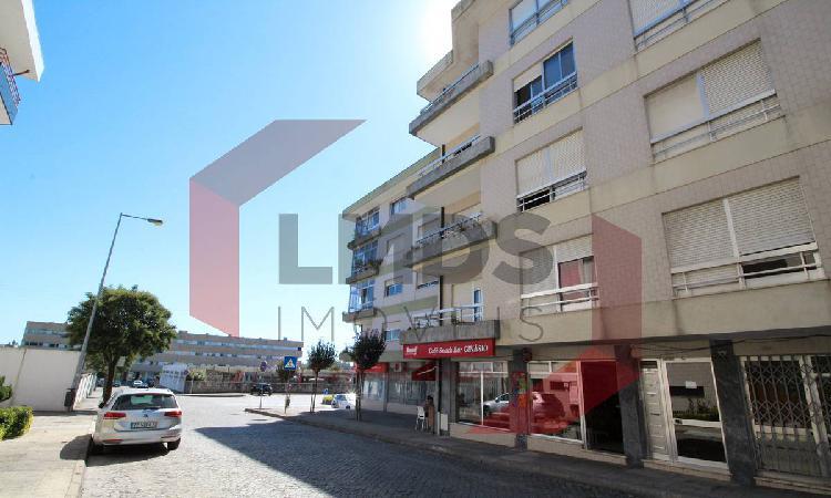 Apartamento t3+2 ao ismai - investimento
