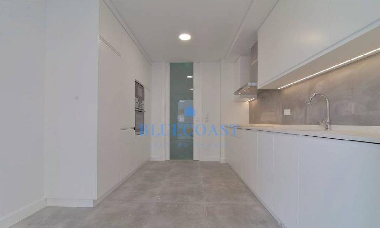 Apartamento novo t2, em frente ao alegro, setúbal